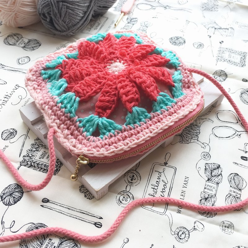 Strawberry red crocheted cotton shoulder bag/crossbody bag//hand-woven/woven bag
