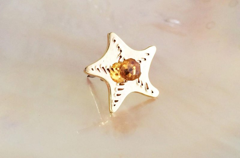 Starfish baby ☆ Citrine brass pin