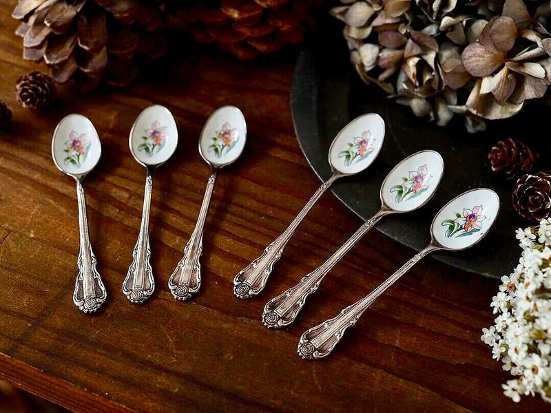 [Sold out] British antique hand-painted flower teaspoon single sale