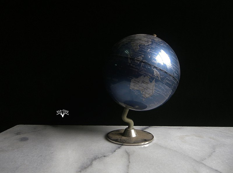 [OLD-TIME] used English globe