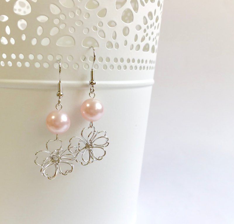 Sakura Cherry Blossom and Swarovski pearl earring