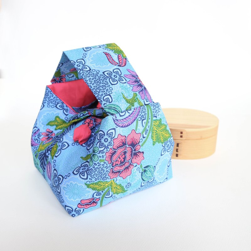 Japanese style lunch bag.Bento bag.Pa-te Thai fabric.Handmade lunch bag. lunchables .Blue and pink flowers.insulated lunch bag.Gift for her.
