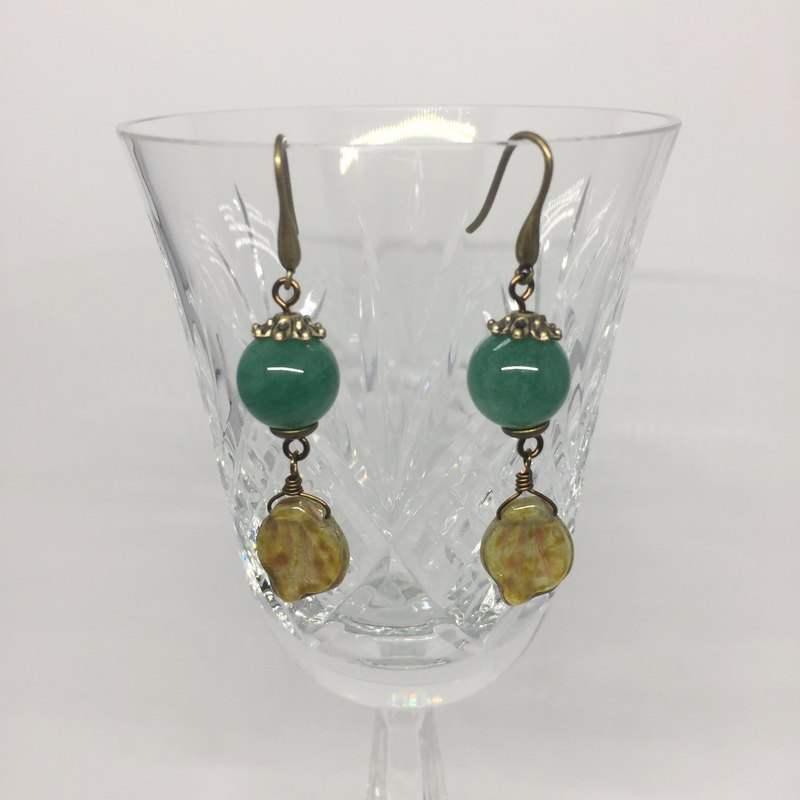 Fragrant green fruit earrings