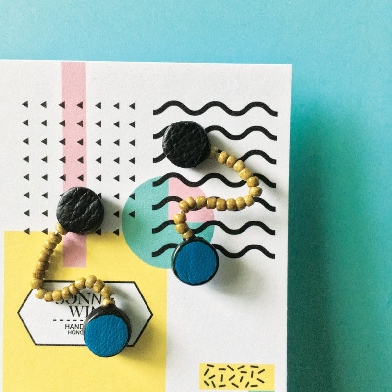 Sonniewing's Dot Stud Leather Earrings