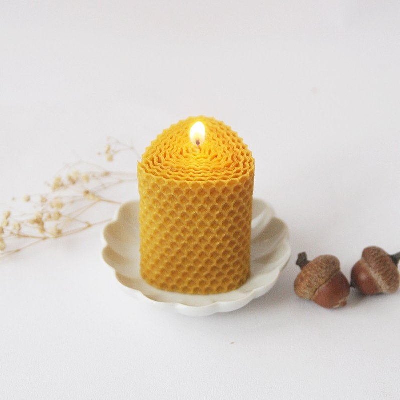 4th floor apartment | Felt beeswax candle [small triangle]