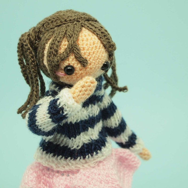 crochet doll/amigurumi/sweater/pigtails hair/like a figure doll