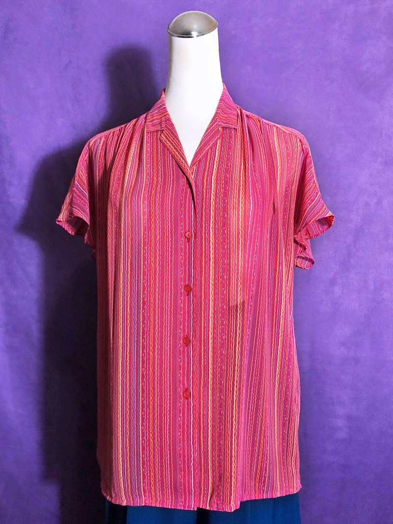 Corrugated chiffon short-sleeved vintage shirt / brought back to VINTAGE abroad