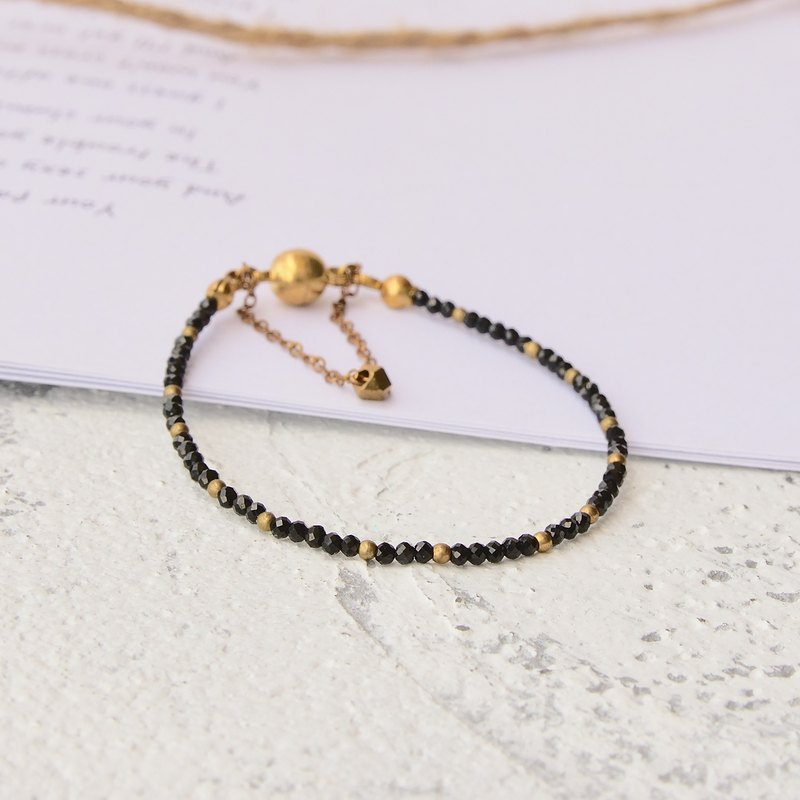 Retro handmade natural stone brass bracelet black spinel