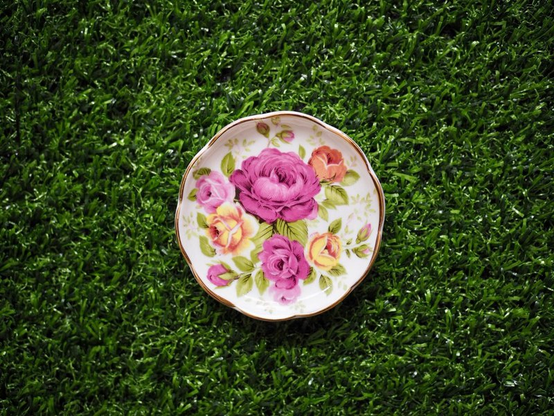 British fine bone china flower mini disc C