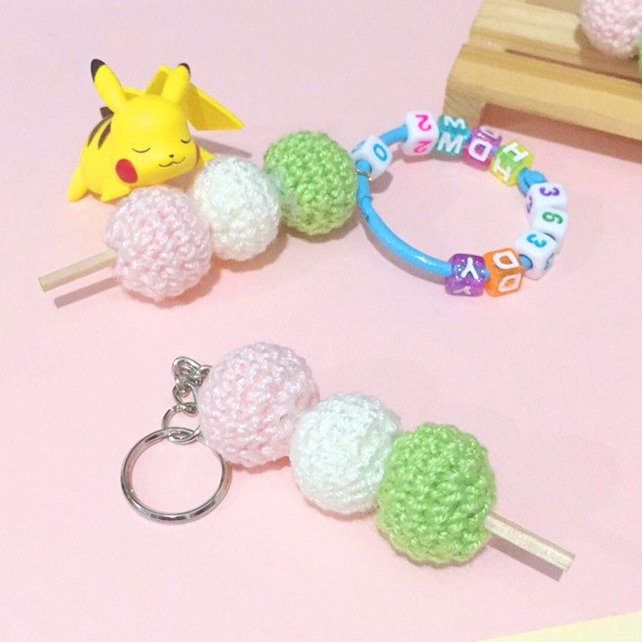 Dog clip star / handmade wool pendant key ring / three-color ball string