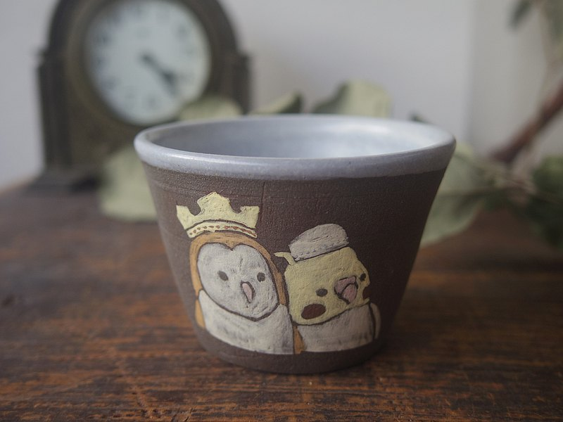 Sake cup with cockatiel and barn owl