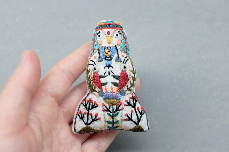 by.dorisliu [ Forest Hero - OWL ]  brooch