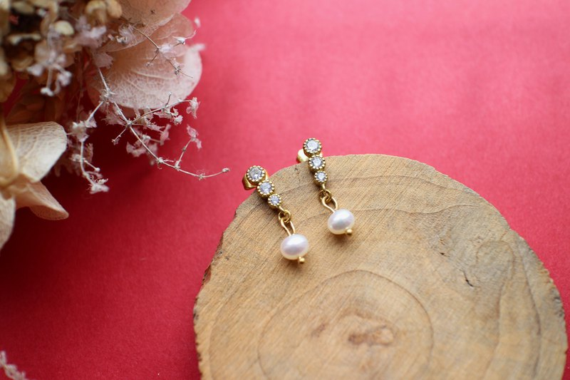 Good day-Brass earrings
