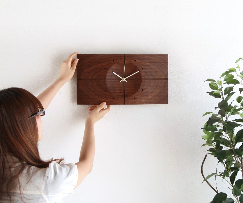 Asahikawa Craft Studio Arms Shade Clock