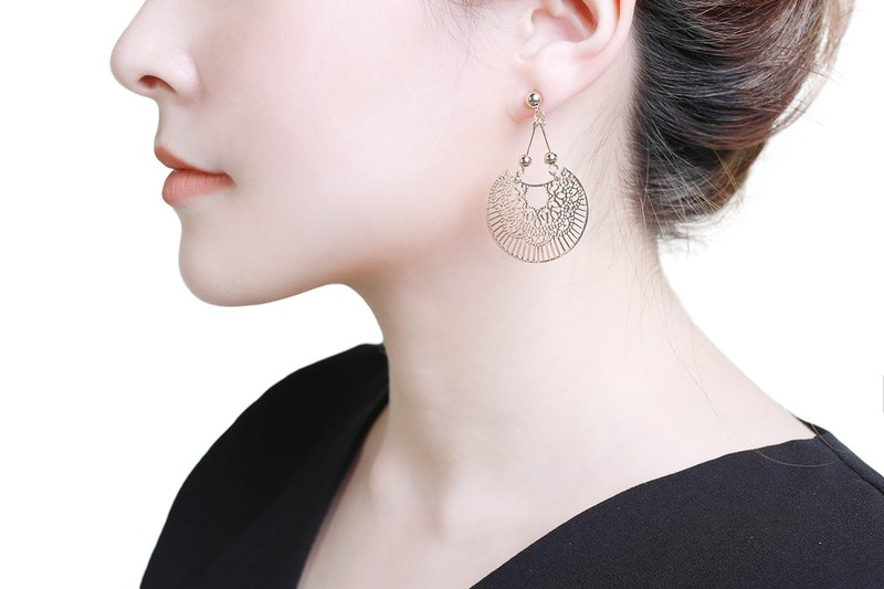 Ria Gold Earrings