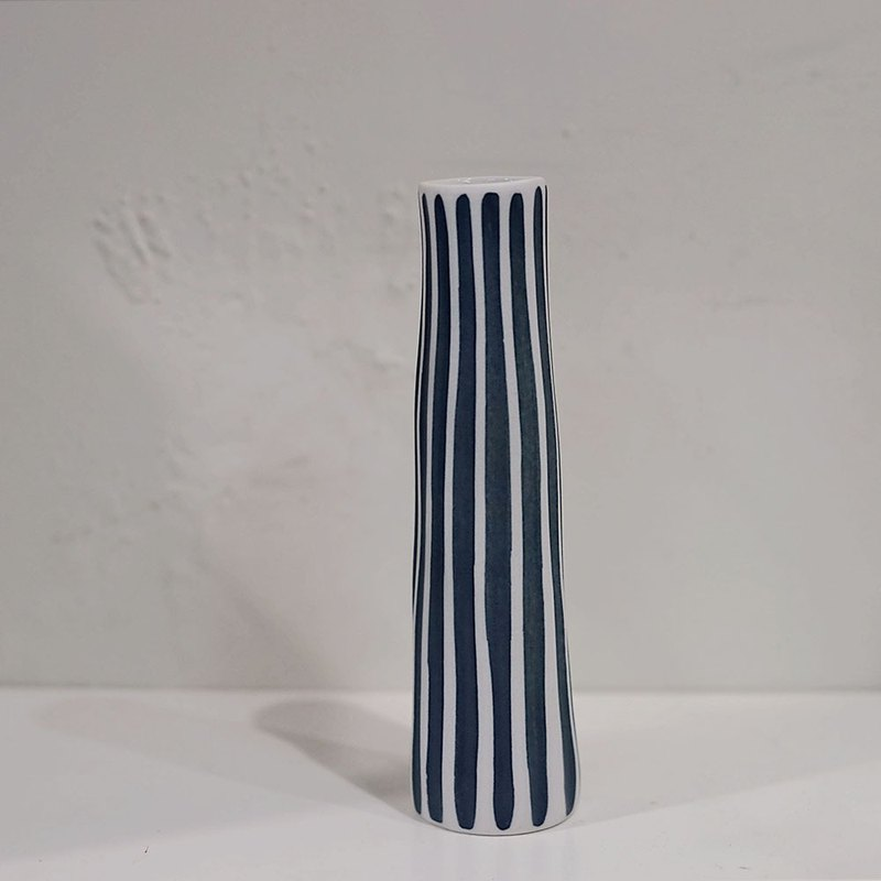 Flower/Vase Blue Straight Stripe Vase