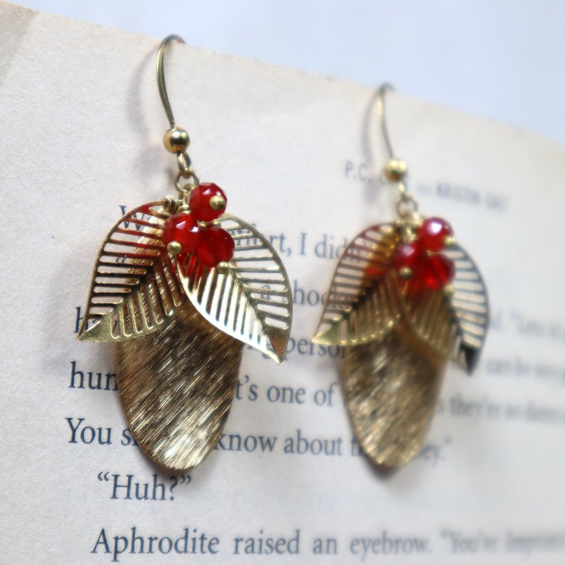 Flower brass earrings red agate can change the clip brass