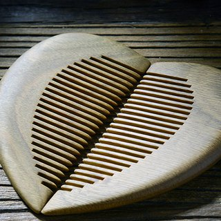 Natural hand-carved heart-shaped green sandalwood comb
