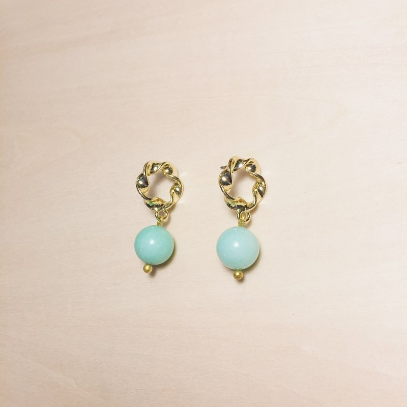 Vintage Mint Green Chalcedony Ribbon Hoop Earrings