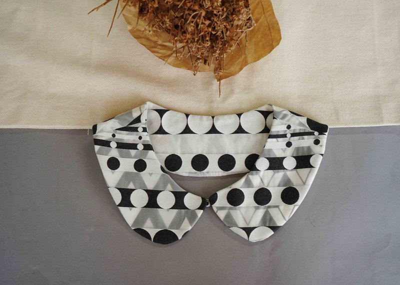 Hand-made-hand-made double-sided Peter Pan collar piece-black and white op skin translucent printing