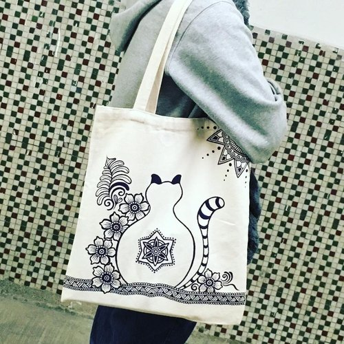 Shoulder bags hand-painted cotton quality hand-painted purple and blue bag inside zip Henna Mandala design Mandala Zen painting Hanna Man pedicle about ethnic Indian painted canvas