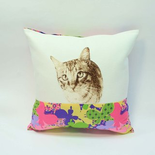 Embroidery small pillow 05- cat