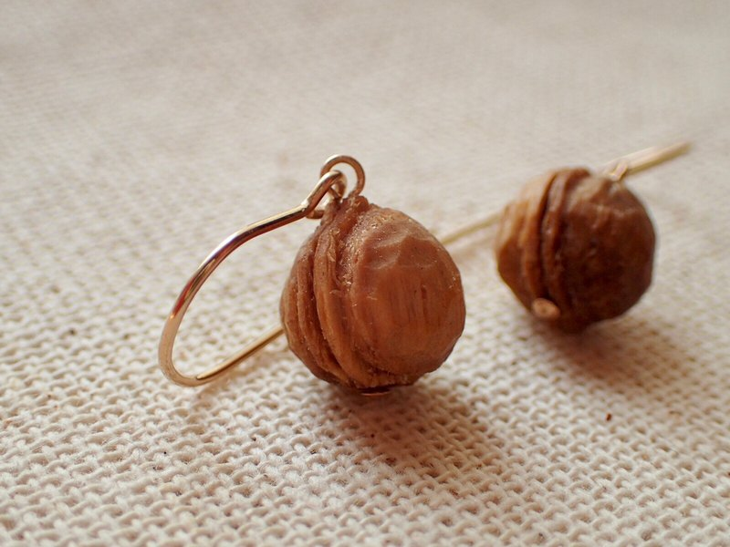 Walnut earrings