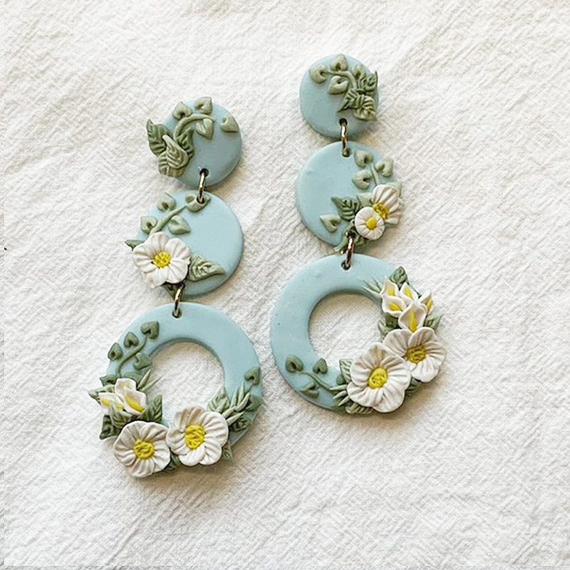 Maureen-Blue and White Flower Marriage Series-Three Rings-Hand-made Soft Pottery Earrings