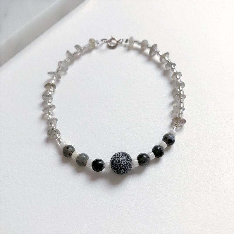 """KeepitPetite"" temperament gift · · · Lava · natural Moonstone Bracelet Bracelet"
