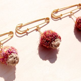 Hand-woven cotton forest girl Department of Forestry brooch / pin / pin Crochet / Crochet brooch - cotton saris line mushrooms brooch (mixed color pink)