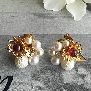 Snow pearl christmas earrings