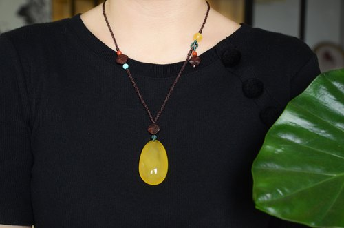 [Hyper] Amber natural amber pendant retro literary necklace