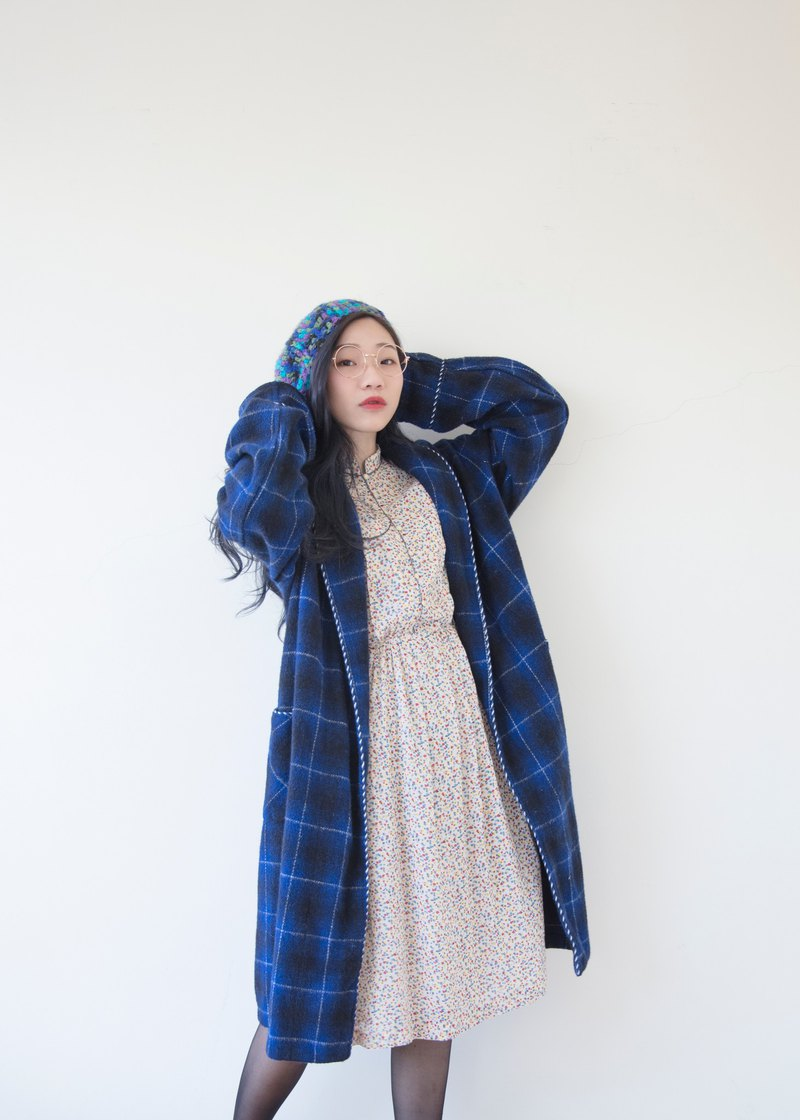Banana cat. Banana Cats Deep Blue Plaid Underwear Nightgown Coat Sleeping coat / smoking jacket