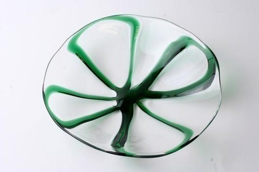 Four-leaf dishes