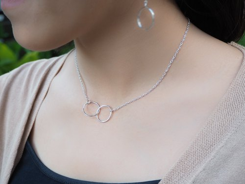 Dainty infinity silver necklace