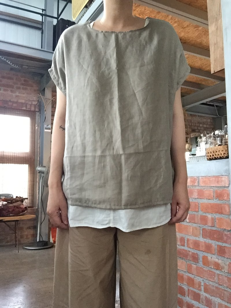 Cicada came to the Mocha color pure linen wide version of the shirt blouse