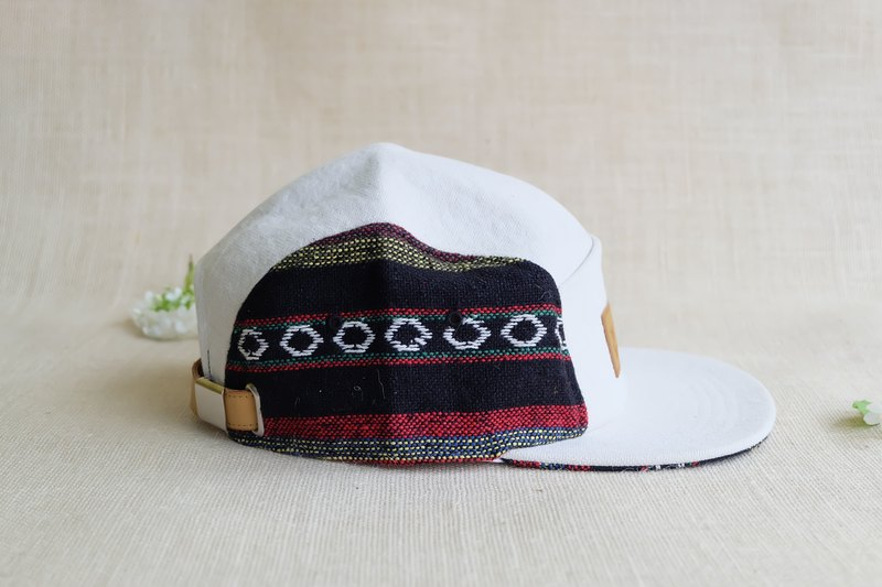 Tipple Sun Cap  (Off White/Traditional fabric Red)