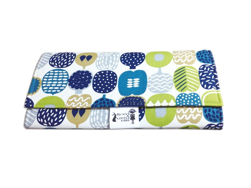 Out carrying type diaper pad - green fruit