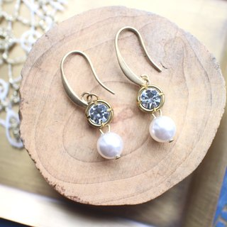 Crystal pearl brass earrings
