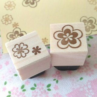 Flower & Clover Eraser Set