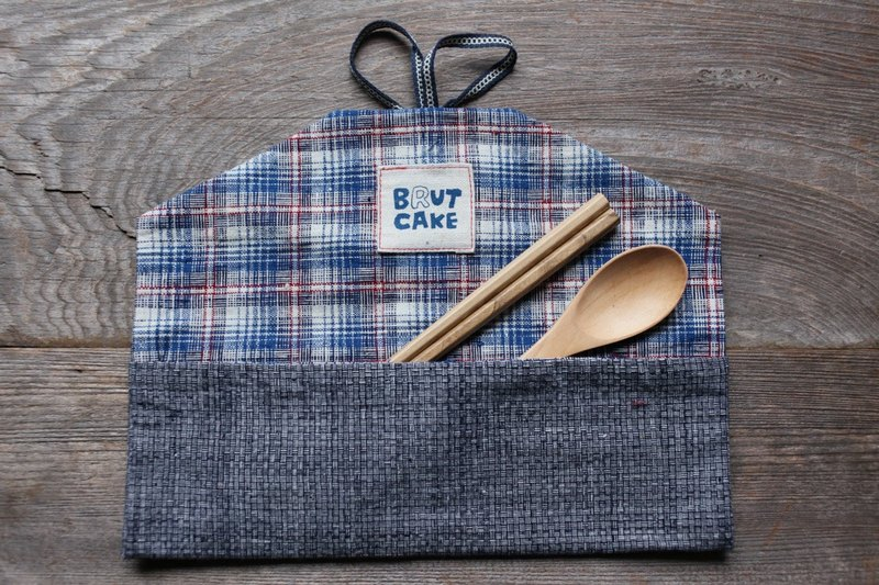 Brut Cake handmade fabric - envelope utensil carrier (1), handy, eco friendly, easy to wash.