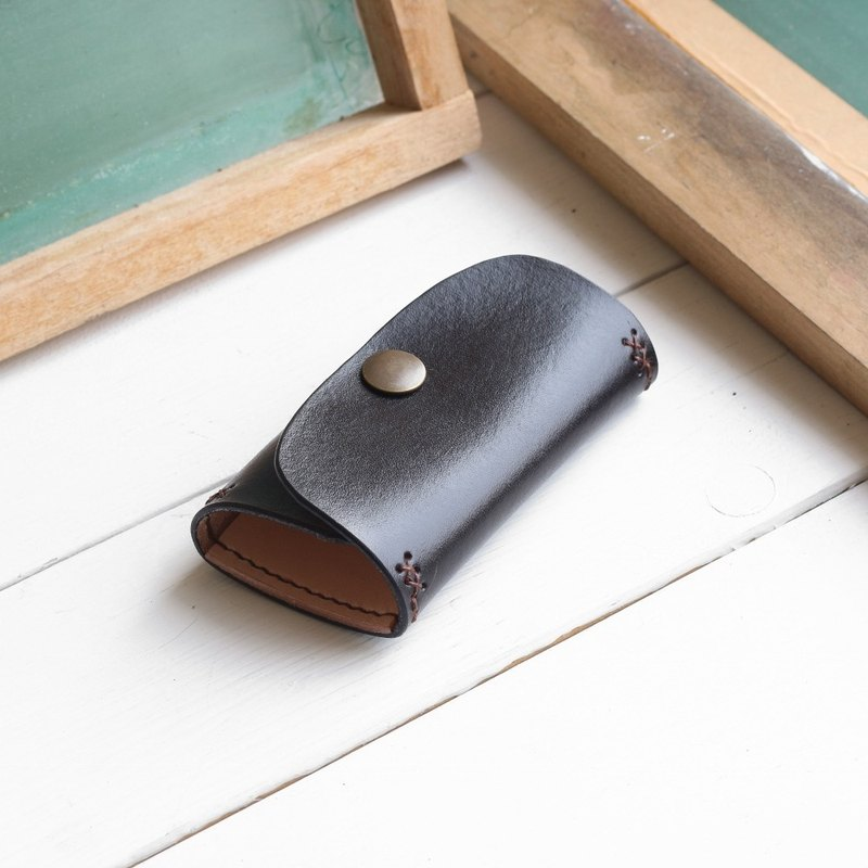 Rustic meteorite black hand dyed yak leather handmade six hook key case