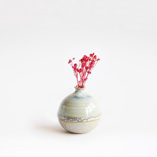 Handmade Ceramic Mini Vase - Egg Shell White
