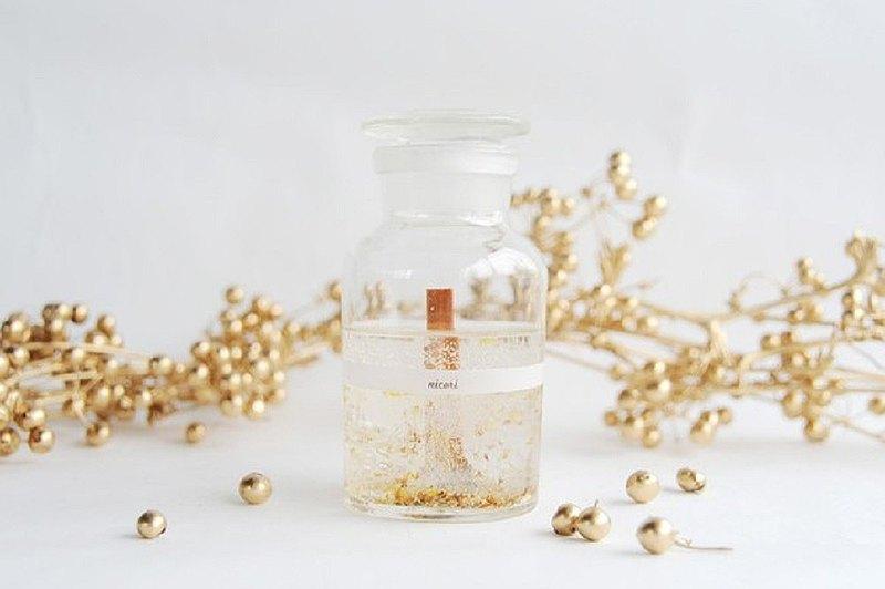 [帶有Kanagi犀牛的香氣和香氣的香薰蠟燭和禮物!100%精油]植物瓶