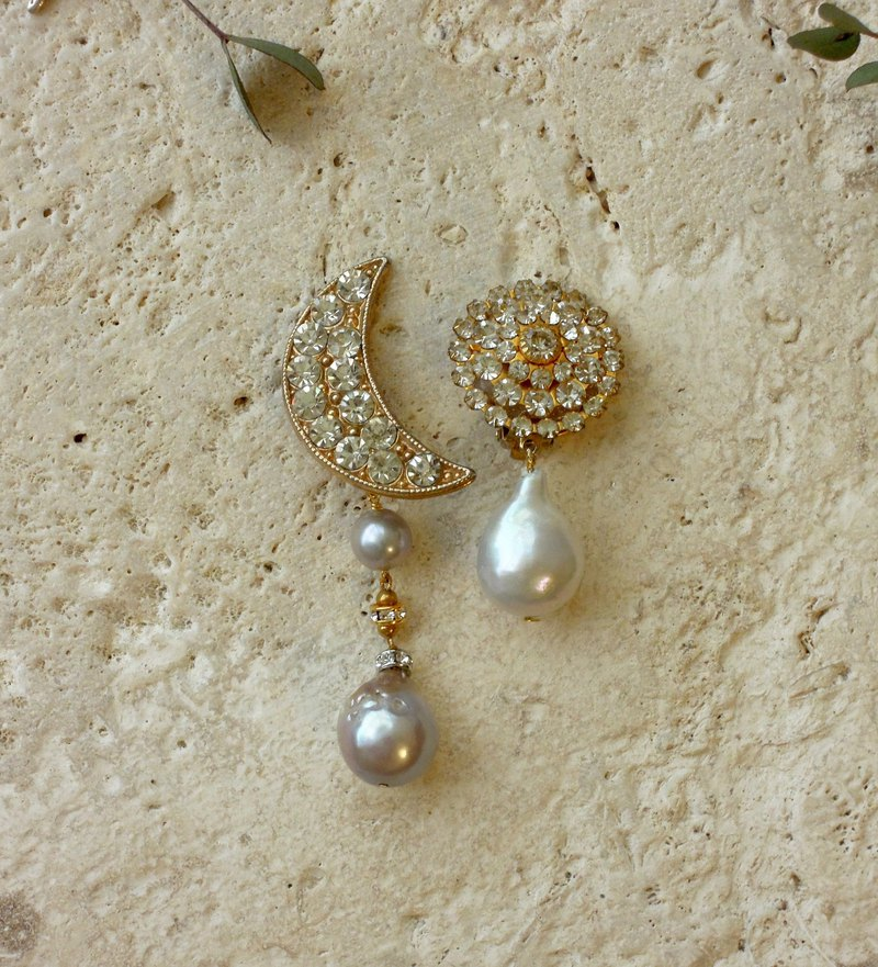 Moon and Grey Pearl, Asymmetric Antique Ear Clips