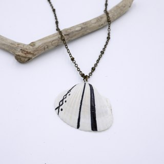 Upcycling Necklace, Shell, Free hand drawing, zen drawing - black & white