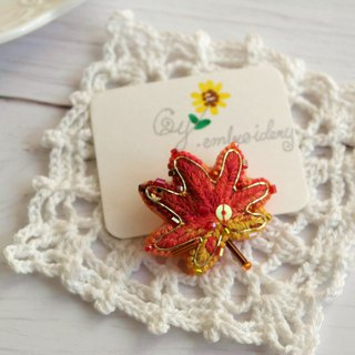 Qy.embroidery autumn color red leaf hand embroidery embroidery brooch custom gift