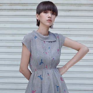 Ribbon | vintage dress