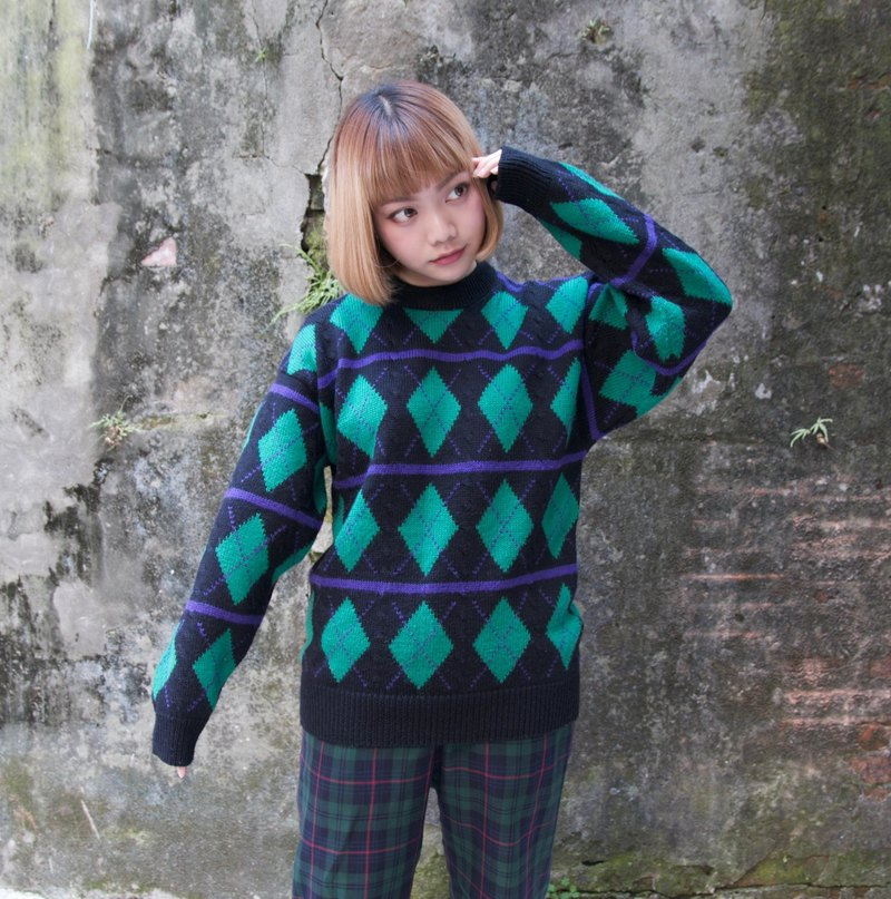 Back to Green :: classic diamond obediently arrangement vintage sweater (ST-24)