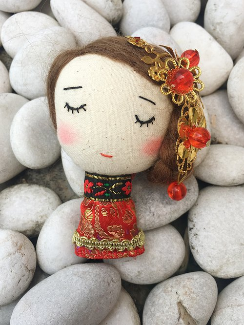 Handmade brooch- Traditional Wedding Girl